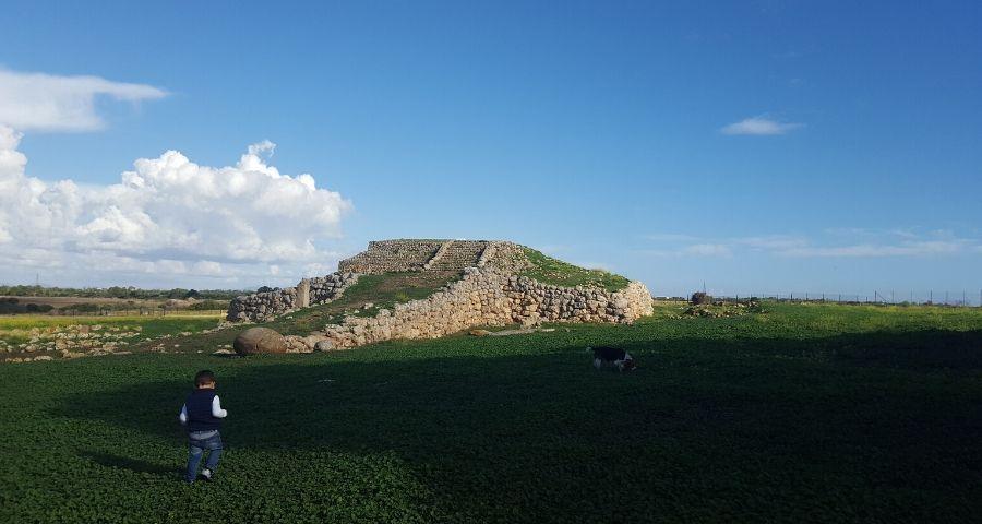 altare di Monte d'Accoddi Sardegna