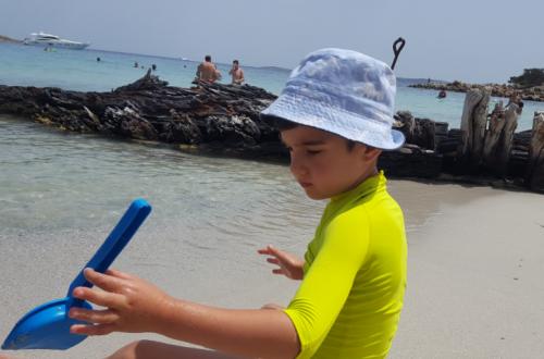 Spiaggia del Relitto vacanze con bambini Sardegna